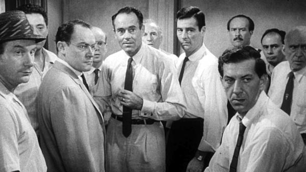 12 angry men single location film